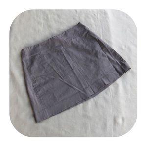 6/$15 DKNY size 2 khaki skirt